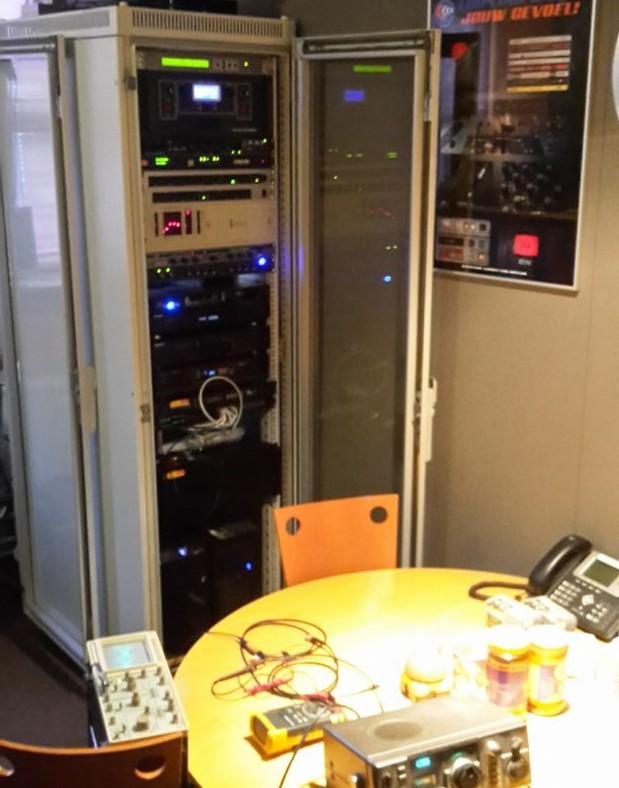 AM 1395 kHz modulatie diepte instellen.